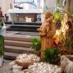 """""""Pão de Santo Antônio"""" foi abençoado e distribuído nas Missas da Catedral"""
