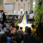 Crianças da Catequese coroaram Nossa Senhora com homenagem emocionante
