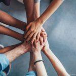 Fé: uma luz que deve incidir sobre todas as relações sociais