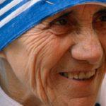 Pelo Twitter, Papa recorda exemplo de Santa Teresa de Calcutá