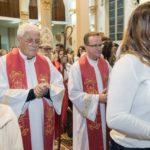 Jovens recebem o Sacramento da Crisma em nossa Catedral