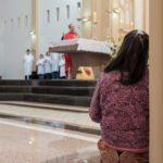 Sofia e Eduardo recebem o Sacramento do Batismo em nossa Catedral
