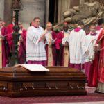 Papa participa das exéquias do Cardeal Jean-Louis Tauran
