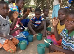 Amigos de Dombe: conheça o projeto que tem feito a diferença na vida de centenas de crianças