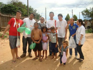 Foto: Seminaristas e Religiosas em Missão em Rubião Júnior - 2014.
