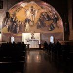 Adoração ao Santíssimo Sacramento reuniu fiéis na Capela Santíssima Trindade