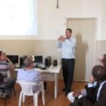 Padres participam de manhã de treinamento sobre o Sistema de Gerenciamento Paroquial