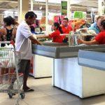 Preço da cesta básica diminui em 21 capitais, aponta Dieese