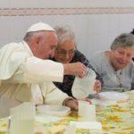 Papa convida a rezar pelos idosos, em dezembro