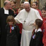 Papa aos Lassalistas: a educação não pode ser apenas um trabalho, mas uma missão