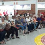 Pastoral da Família faz visita de Dia das Mães no Asilo Padre Euclides