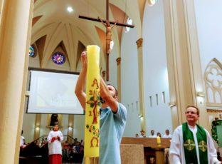 Catedral celebra o Batismo de 2 crianças