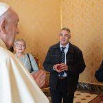 O Papa recebe o padre Maccalli: o abraço de um pai a um missionário de periferia
