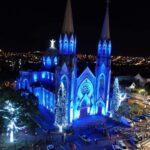 Iluminação da Catedral para o Natal é acesa