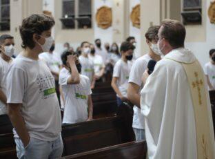 Catedral celebra a Primeira Eucaristia do terceiro grupo de nossas crianças e Pastoral de Coroinhas/Acólitos realiza encontro